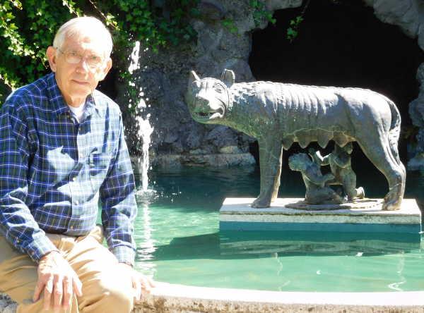 Romulus and Remus statue in Hamilton Garden